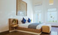 Ishq Villa Spacious Bedroom with Wooden Floor | Talpe, Sri Lanka