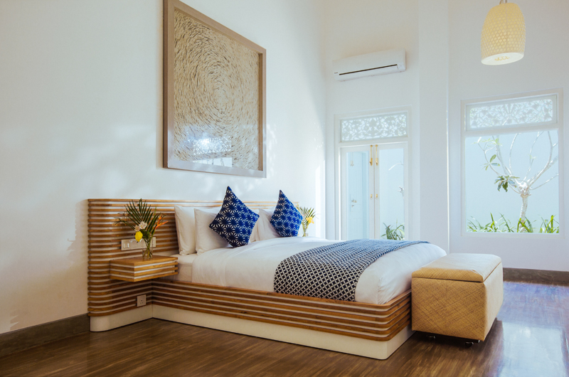 Ishq Villa Spacious Bedroom with Wooden Floor | Talpe, Sri Lanka