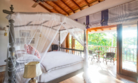 Meda Gedara Bedroom with Four Poster Bed | Dickwella, Sri Lanka