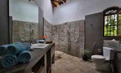 Villa Sepalika En-suite Bathroom | Talpe, Sri Lanka