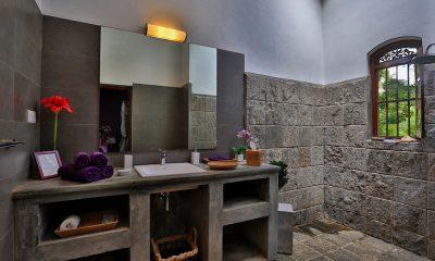 Villa Sepalika Bathroom | Talpe, Sri Lanka