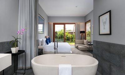 Amarin Seminyak Bedroom and Bathroom with Bathtub | Seminyak, Bali