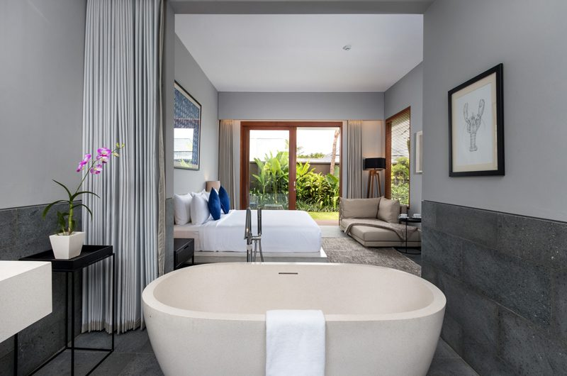 Amarin Seminyak Bedroom and Bathroom with Bathtub | Seminyak, Bali