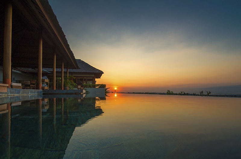 Bali Jimbaran The Longhouse Sunset View