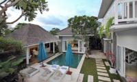 Villa Alun Sun Loungers | Batubelig, Bali