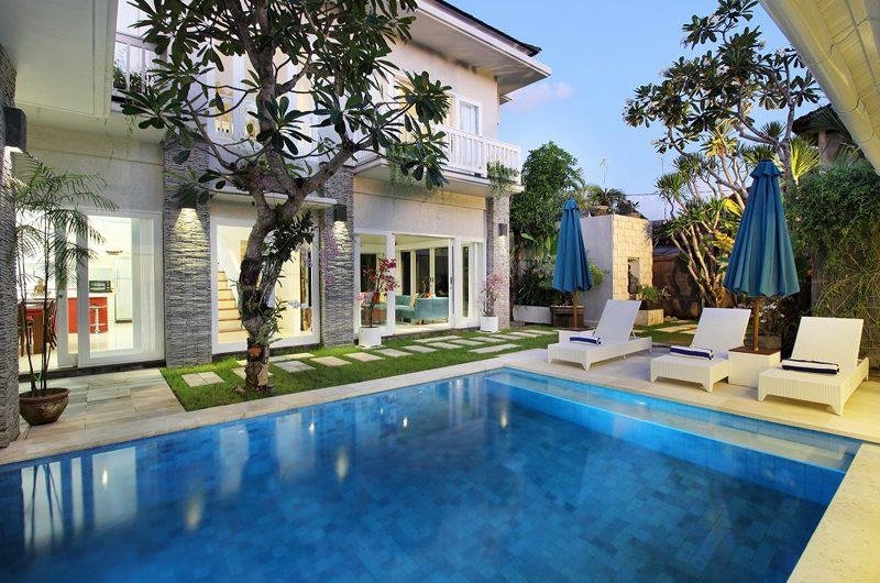 Villa Alun Sun Beds | Batubelig, Bali