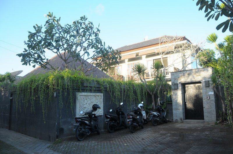 Villa Alun Entrance | Batubelig, Bali