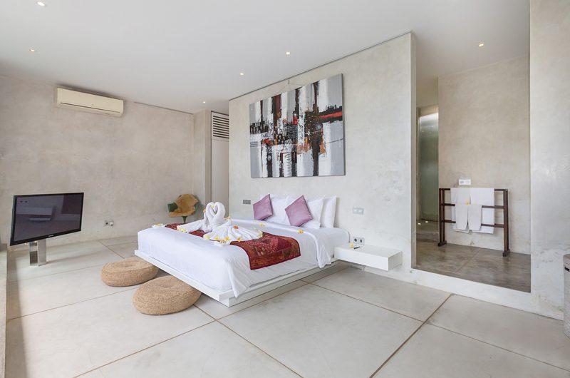 Villa Mikayla Bedroom and En-suite Bathroom | Canggu, Bali
