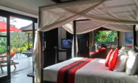 Villa Passion Bedroom with TV | Ubud, Bali