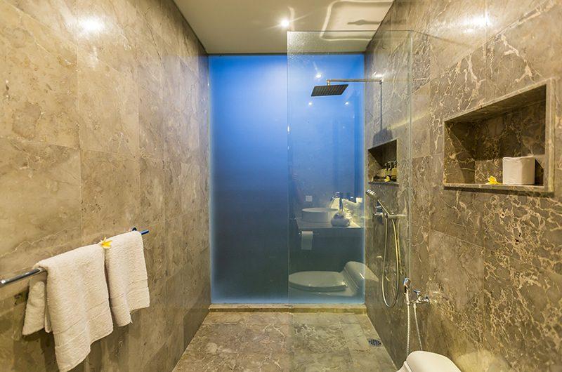 Villa Roemah Natamar Bathroom Shower   Canggu, Bali