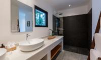 Villa Thansamaay Spacious Bathroom | Laem Sor, Koh Samui
