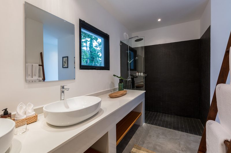 Villa Thansamaay Spacious Bathroom | Laem Sor, Koh Samui