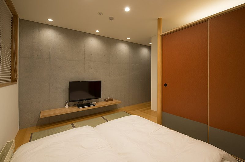 Kazahana Bedroom with TV | Hirafu, Niseko