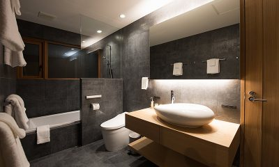 Kazahana Bathroom with Bathtub | Hirafu, Niseko
