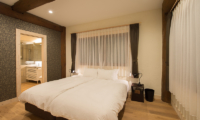 Koho Bedroom with Bathroom | Hirafu, Niseko