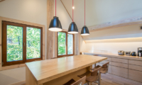 Koho Dining Table | Hirafu, Niseko