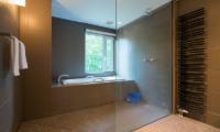 Moiwa Chalet Bathroom   Moiwa, Niseko