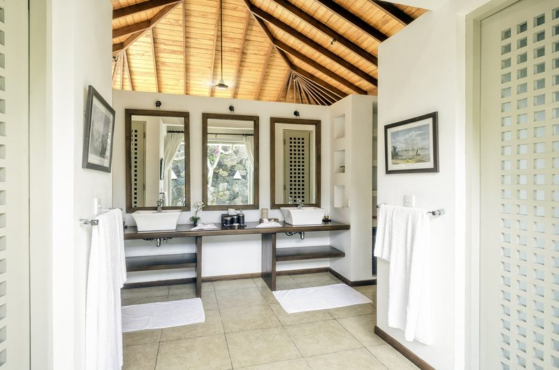 Elysium Spacious Bathroom | Galle, Sri Lanka