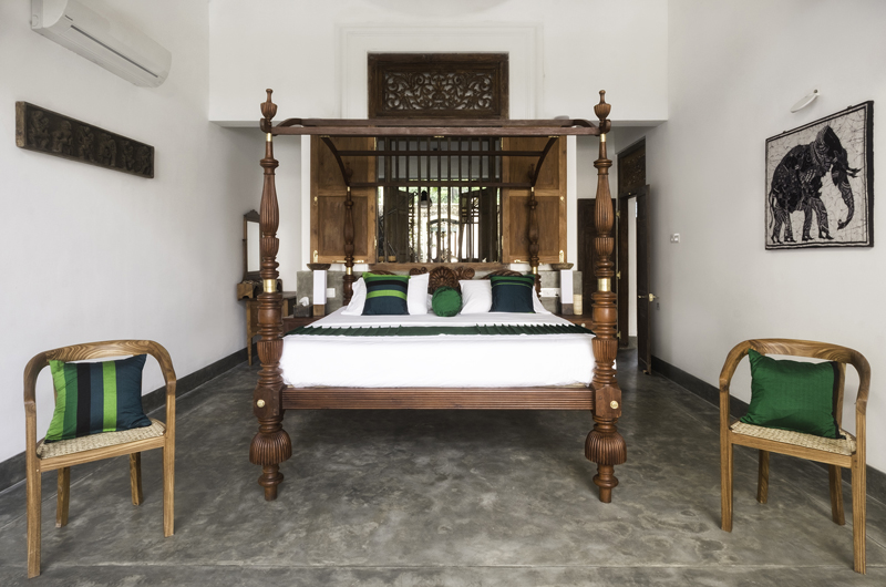 Royal Indigo Villa Four Poster Bed | Talpe, Sri Lanka