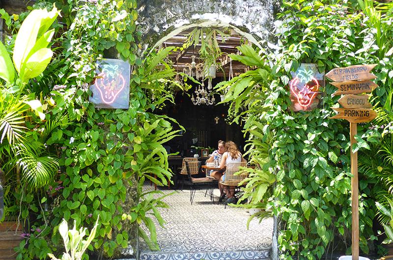 Bali Batubelig Strawberry Fields Restaurant