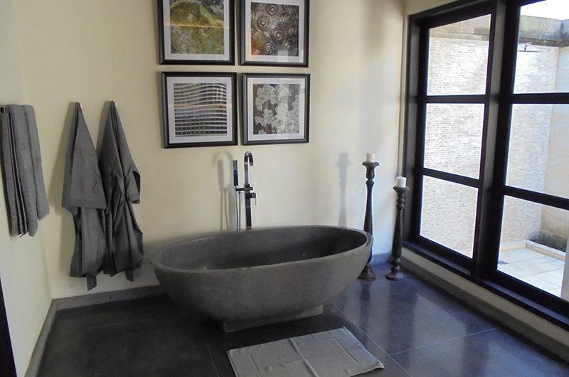 Villa Condense Stone Bathtub | Ubud, Bali