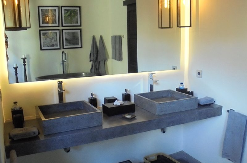 Villa Condense Bathroom | Ubud, Bali