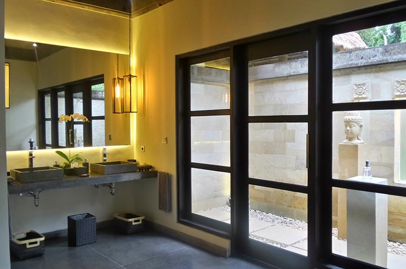 Villa Condense Bathroom Area | Ubud, Bali