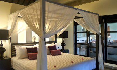Villa Condense Bedroom with Lamps | Ubud, Bali