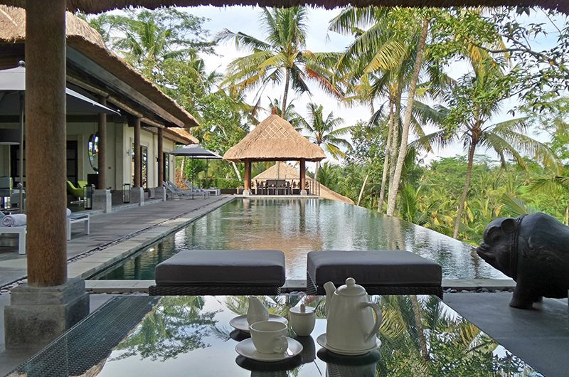 Villa Condense Dining Table with Pool View | Ubud, Bali