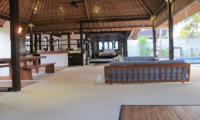Villa Samudera Living and Kitchen Area | Nusa Lembongan, Bali