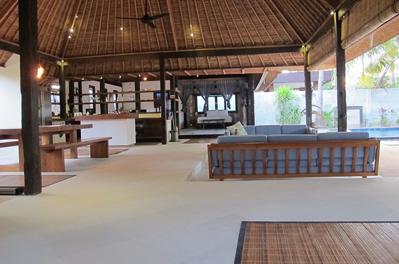 Villa Samudera Living and Kitchen Area | Nusa Lembongan, Bali