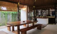 Villa Samudera Dining Table | Nusa Lembongan, Bali
