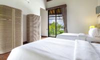 Villa Summer Twin Bedroom with Wardrobe   Petitenget, Bali