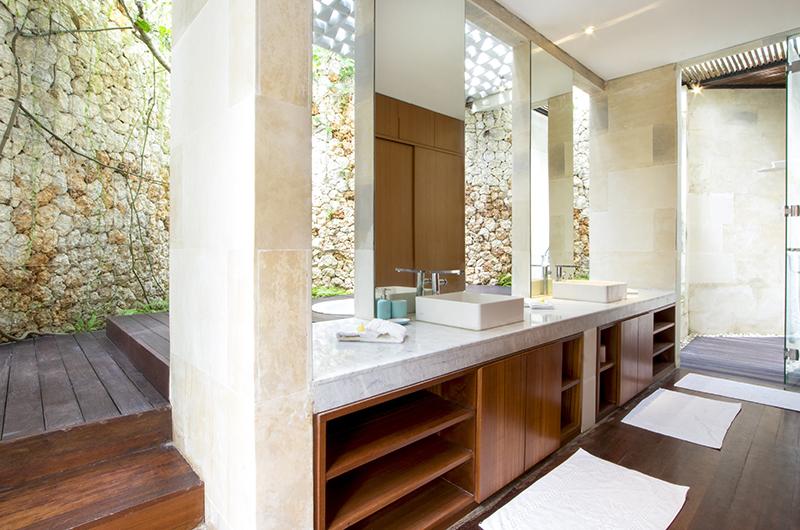Villa Summer Bathroom Area   Petitenget, Bali