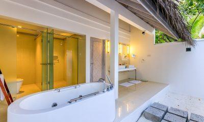 Amaya Kuda Rah Beach Suite Bathtub | South Ari Atoll, Maldives