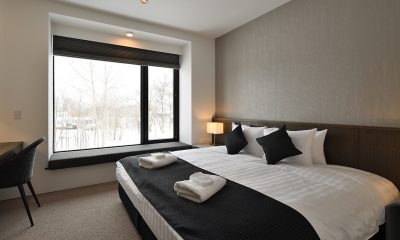 Jun Bedroom with Table | Hirafu, Niseko
