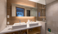 Moiwa Chalet Bathroom with Shower | Hirafu, Niseko