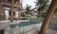 Skinny Beach House Pool | Talpe, Sri Lanka