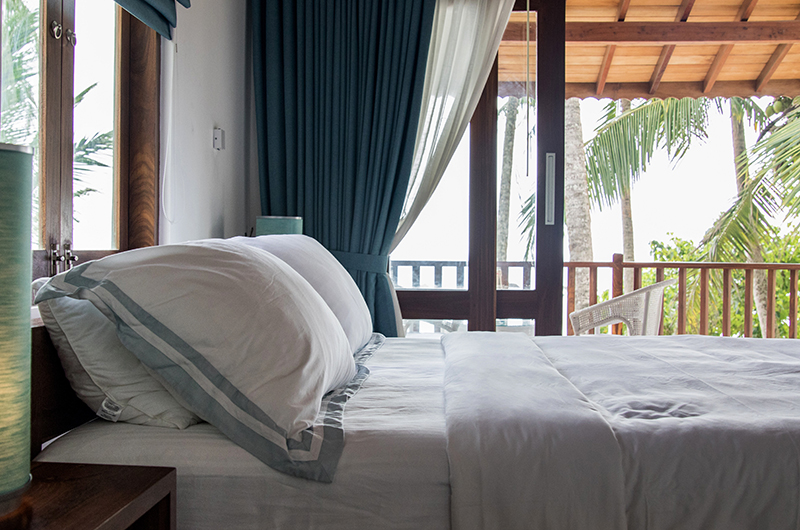 Skinny Beach House Bedroom with Ocean View | Talpe, Sri Lanka