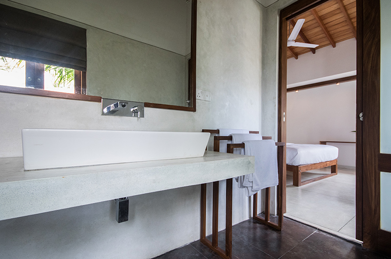 Skinny Beach House Bathroom Area | Talpe, Sri Lanka