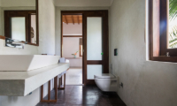 Skinny Beach House Bathroom | Talpe, Sri Lanka