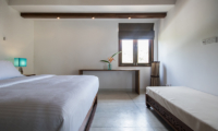 Skinny Beach House Bedroom with Seating | Talpe, Sri Lanka