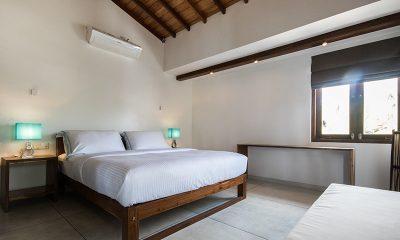 Skinny Beach House Bedroom | Talpe, Sri Lanka