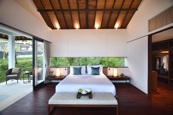 Alta Vista King Type Bedroom with Lamps   North Bali, Bali