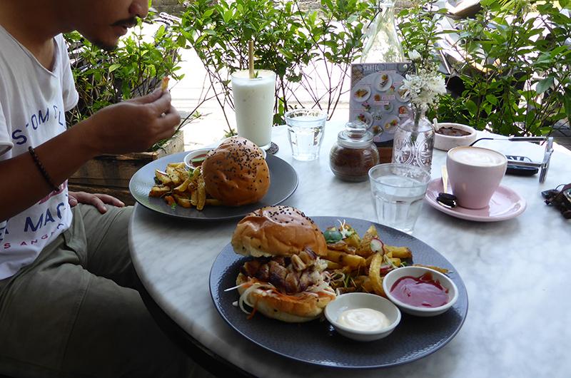 Bali Seminyak Coffee Cartel Burger