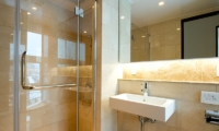 Fubuki Bathroom | Hirafu, Niseko
