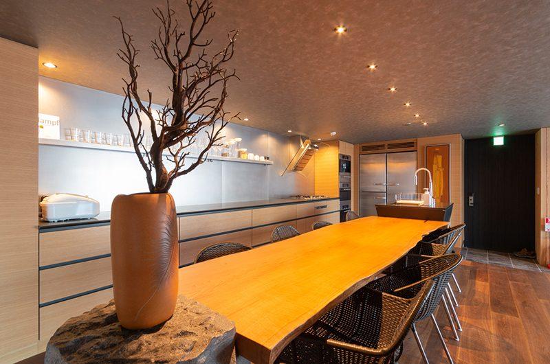 Hideaway on Escarpment Dining Table | Hirafu, Niseko