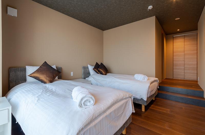 Hideaway on Escarpment Twin Bedroom | Hirafu, Niseko