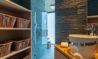 Hideaway on Escarpment Bathroom Area | Hirafu, Niseko