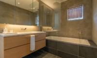 Silver Dream Bathtub | Hirafu, Niseko
